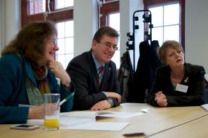 (Ch-Dd) Julie Morgan AC, Peter Black AC, a Jocelyn Davies AC yn ystod y digwyddiad