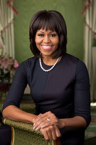 Deledd o Michelle_Obama_2013_official_portrait[1]